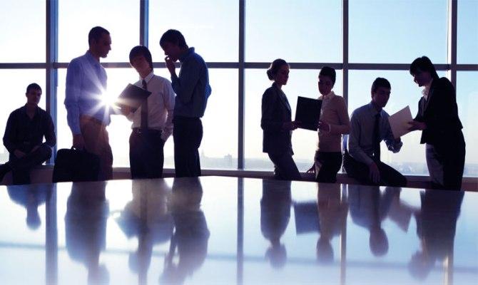 Cara Membangun Karir dengan Membina Relasi Kerja